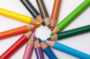 editing-class-colored-pencils-374771_1920.jpg