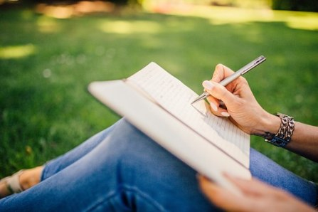writing-923882__340[1]